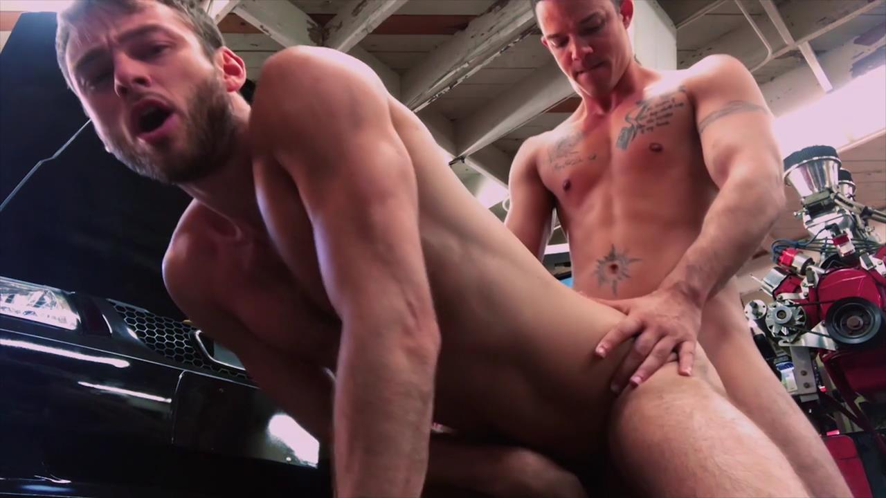 Dudes In Public 38 : Gym - Buddy Wild & Nico Santino